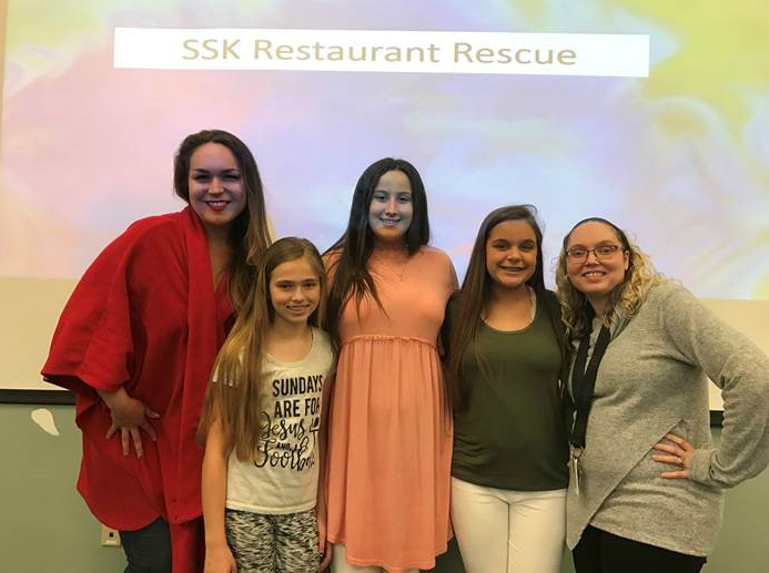 "Students Win ""Restaurant Rescue"" Competition"