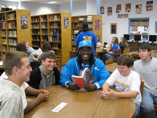 Lardarius Webb Encouraging Kids to Read