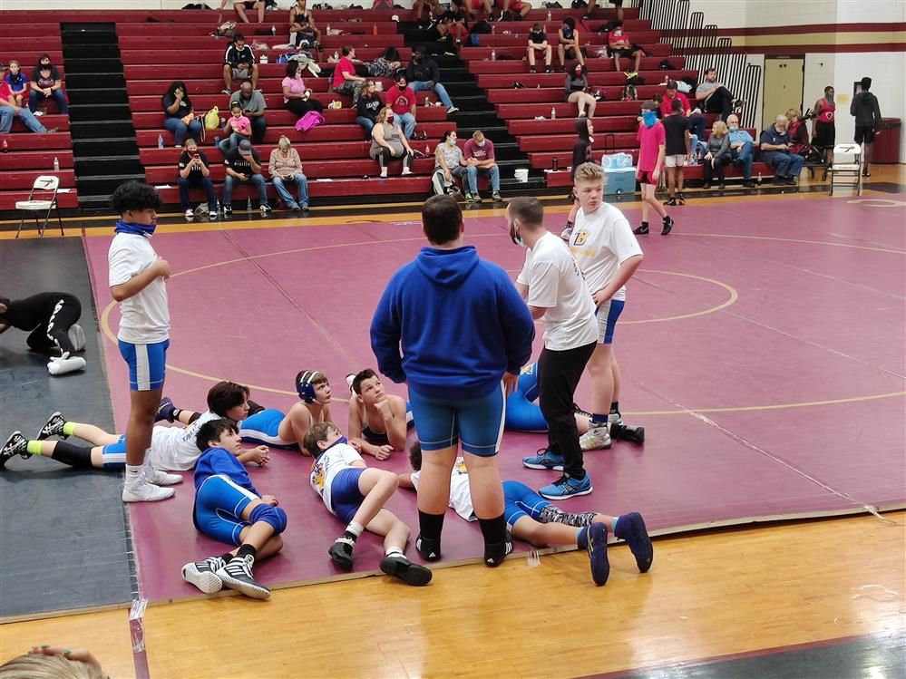 Wrestlers Compete in the David Nichols Tournament